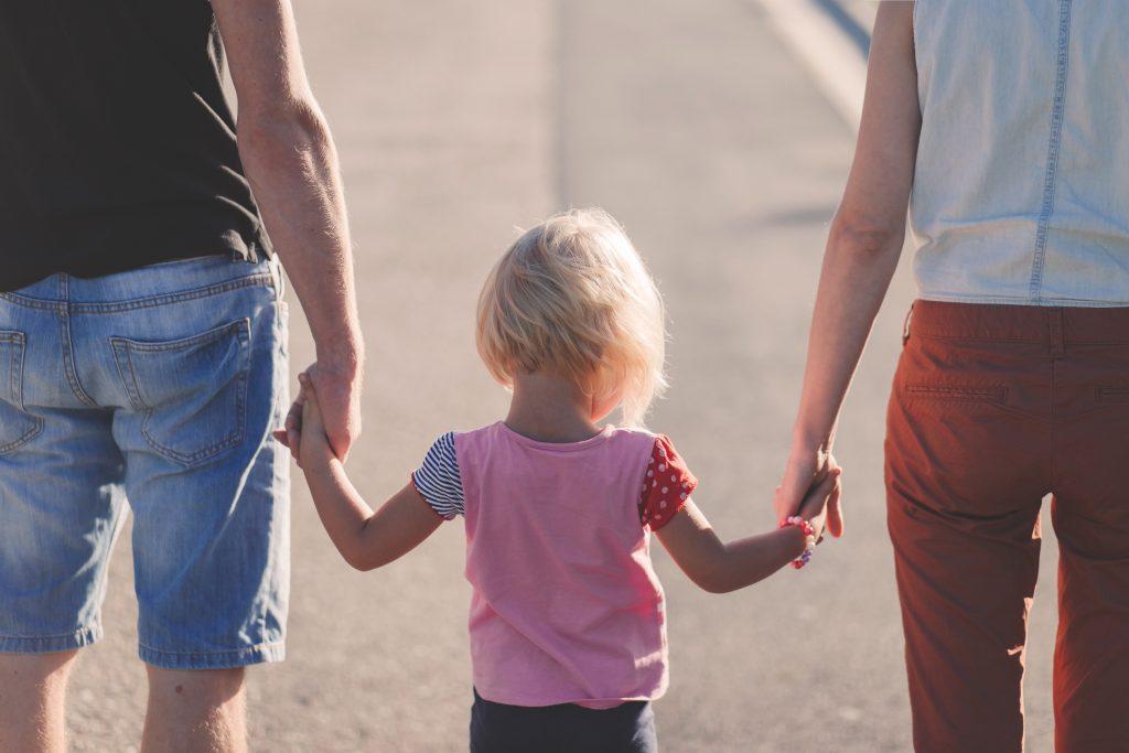 Vaterschaft / Kindesanerkennung anfechten: ungewollt(er) Vater – kann man sich wehren?
